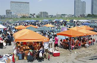 3000人以上の利用者が集まった河川敷(5月19日)