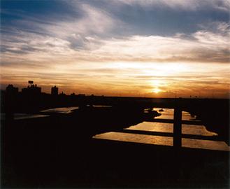 多摩川の夕景写真などジャンルは様々