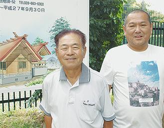 藤田さん(左)、高橋さんと社殿完成予想図
