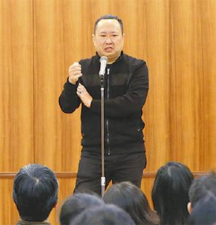 福祉について語る佐藤さん