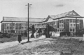 高津高等女学校、創立10周年記念式典時の校舎