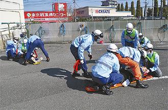重傷者が複数出た想定で訓練した