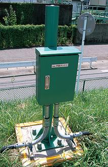 新システムに情報を送る、多摩川の従来型水位計=多摩区