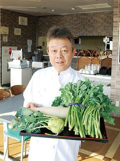 地場野菜を存分に味わえるランチを日々提供する古谷店長