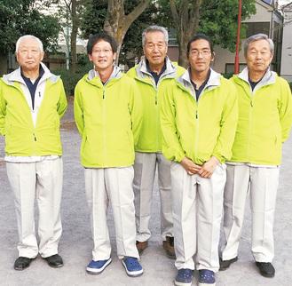 全国大会へ出場するメンバー。左から岩崎さん、鈴木さん、三堀さん、譜久山さん、中村さん