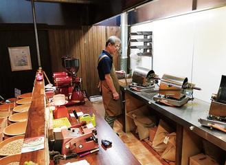 コーヒー豆を卸す職を経ての起業だけに焙煎技術もバッチリ