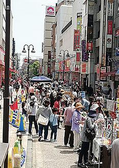 通りを歩行者天国にして実施される人気イベント