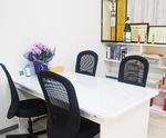 今月移転した新オフィスの応接スペース