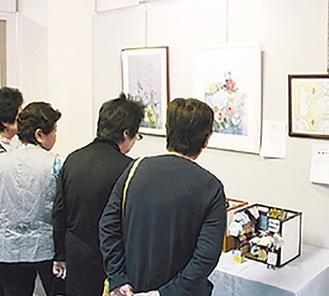バラエティに富んだ作品展示が人気に(写真は過去の様子)