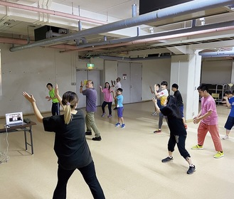 誰でも楽しめるダンス教室などを手掛けている(写真は過去の様子)