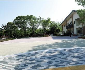 雑木林を造成した「園路広場」も整備された