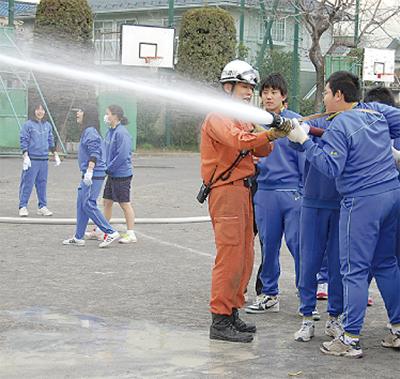 西高津中生徒が防災訓練