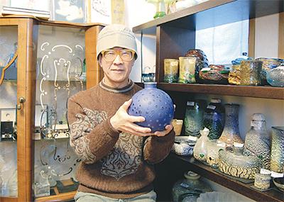 アンティークガラス製品を自宅で展示販売
