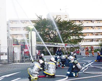 合同訓練で火災対策