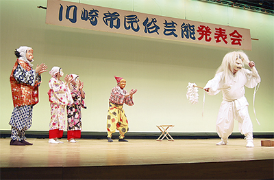 伝統の舞や囃子を披露
