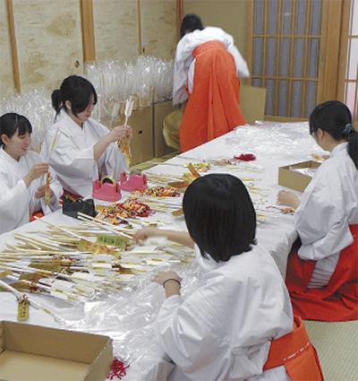 溝口神社で正月準備