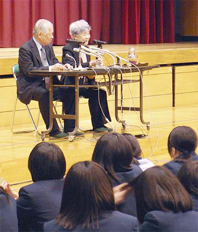 横田夫妻が東橘中で講演