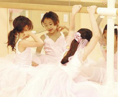 3歳からマダムまで楽しいバレエ体験