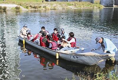 渡し舟で多摩川満喫