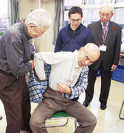 介護実技を学ぶ