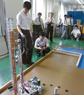 向の岡工業高校は独創的なタワー型ロボットで県大会の頂点に