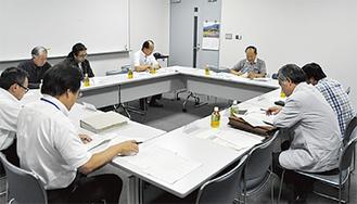 議論を進める検討委員会のメンバー