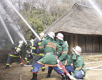 多摩消防団と自主防災組織も参加