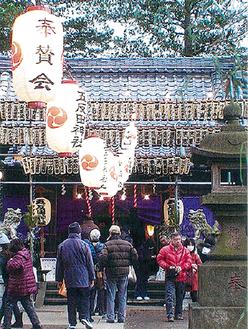 初詣でにぎわう五反田神社(今年正月)