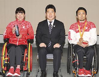 受賞した成田選手(左)と山口選手(右)