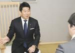 抱負を語る福田市長