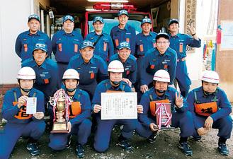 宿河原・堰班の団員=多摩消防署提供