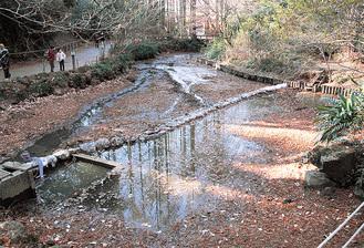 日干し中の奥の池=1月5日