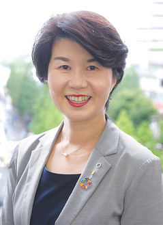●…川崎稲田ライオンズクラブの2019-20年度の会長。准看護師、団体職員として勤務し、現在は川崎市議会議員・3期目。52歳、菅北浦在住。