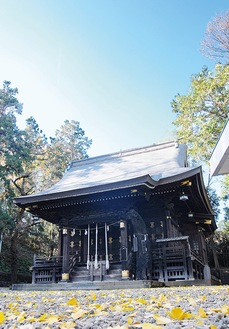 再建や改築を繰り返してきた拝殿