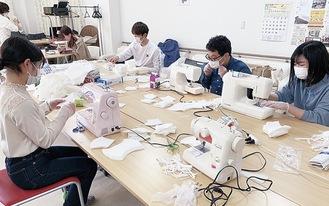 マスクの製作=SDC提供