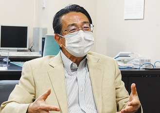 献血を呼びかける藤崎所長