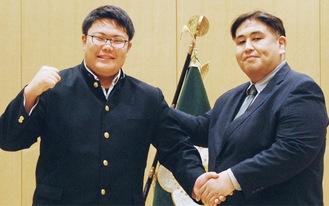 二子山親方(右)と吉野君