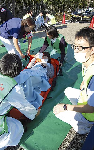 病院と消防が合同訓練
