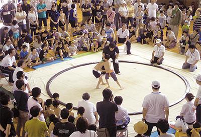 子ども相撲に400人超