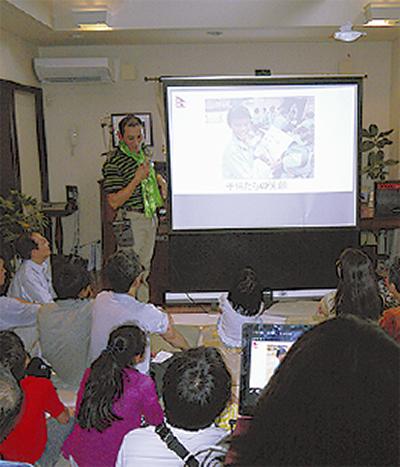 ネパール支援報告会に50人
