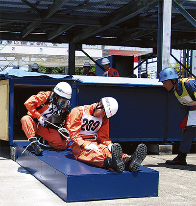県指導会で救助技術披露