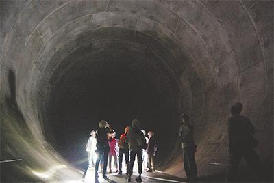 地下60m 市民に初公開