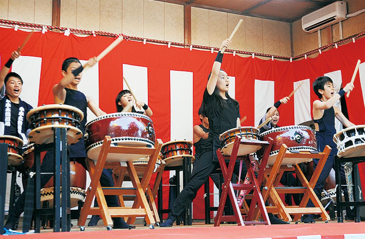 生田の神輿に300人超