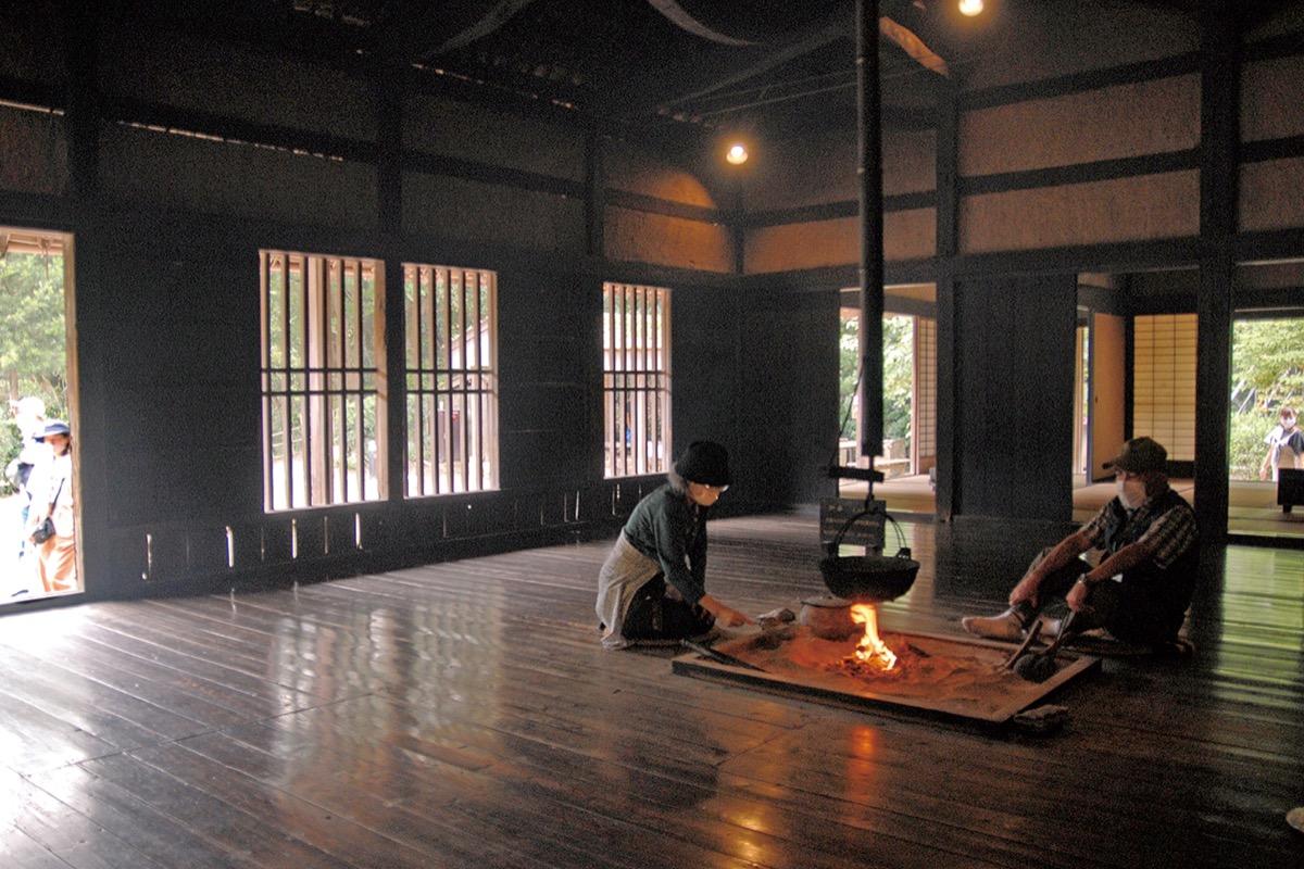 日本民家園炉端