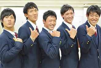 右から濱井涼介さん、勝嵜大輝さん、須田隼人さん、森雅治さん、河野元さん