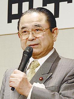 国政報告する田中氏