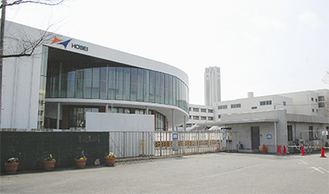 武蔵小杉門から見る新校舎