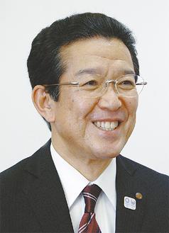 区役所の取組み等について語る鈴木区長