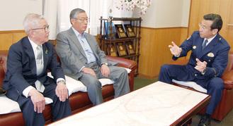 対策を話し合う(左から)田中中原防犯協会会長、尾木特殊詐欺撲滅対策推進協議会会長、則次署長