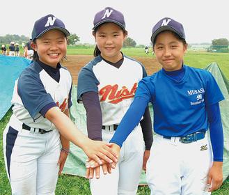 全国大会に臨む(左から)中尾さん、久木留さん、山田さん